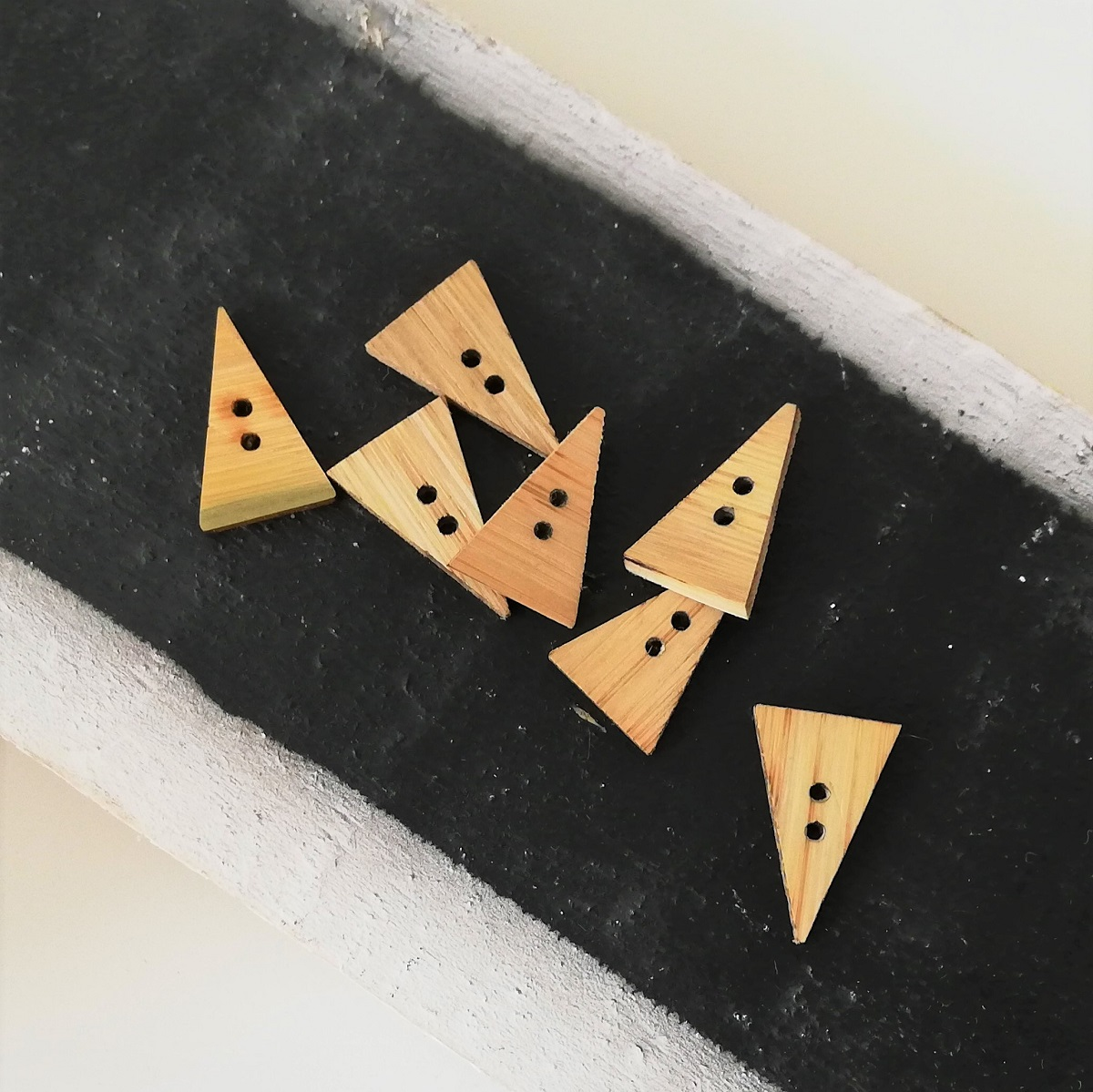 Bambus-Knopf Dreieck, 15mm