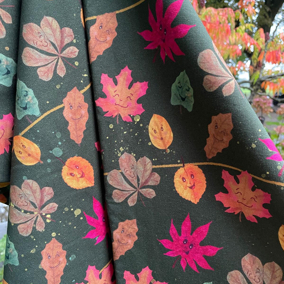 "Sommersweat all over Print grün ""Laubfreunde"" Meterware"